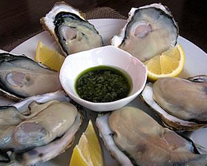 生牡蠣を美味しく!(バジルソース)