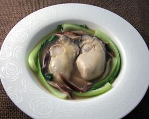 牡蠣と青梗菜の中華スープ煮